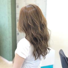 透明感 アッシュ エレガント ブリーチなし ヘアスタイルや髪型の写真・画像