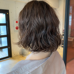 ナチュラル デジタルパーマ ボブ アッシュベージュ ヘアスタイルや髪型の写真・画像