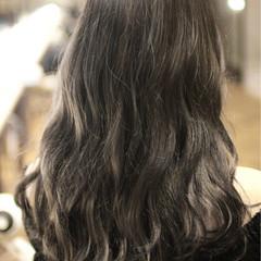 外国人風カラー ガーリー ハイライト グレージュ ヘアスタイルや髪型の写真・画像