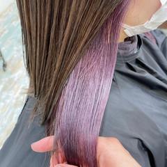 セミロング イヤリングカラー ナチュラル インナーカラー ヘアスタイルや髪型の写真・画像