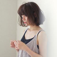 アンニュイ ウェーブ ボブ リラックス ヘアスタイルや髪型の写真・画像