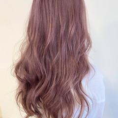 ブリーチオンカラー ロング ピンク ピンクベージュ ヘアスタイルや髪型の写真・画像