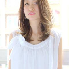 外国人風 ゆるふわ セミロング 大人かわいい ヘアスタイルや髪型の写真・画像