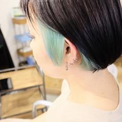 インナーカラー ショートボブ 切りっぱなしボブ ミニボブ ヘアスタイルや髪型の写真・画像