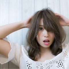 アンニュイ 大人かわいい ゆるふわ ナチュラル ヘアスタイルや髪型の写真・画像