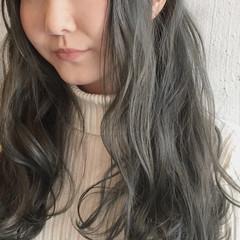 デート セミロング 外国人風カラー アッシュ ヘアスタイルや髪型の写真・画像