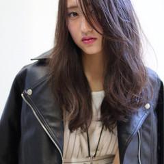 ロング ナチュラル 艶髪 小顔 ヘアスタイルや髪型の写真・画像