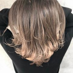 グラデーションカラー セミロング ナチュラル ハイライト ヘアスタイルや髪型の写真・画像