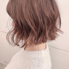 切りっぱなしボブ ボブ ミルクティーベージュ ベージュ ヘアスタイルや髪型の写真・画像