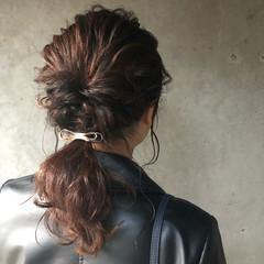 セミロング ローポニーテール ミディアムヘアー フェミニン ヘアスタイルや髪型の写真・画像