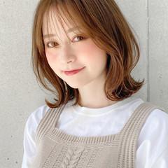 ミディアムレイヤー アンニュイほつれヘア ミディアム ナチュラル ヘアスタイルや髪型の写真・画像