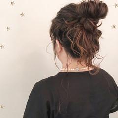 結婚式 ヘアアレンジ お団子 ストリート ヘアスタイルや髪型の写真・画像