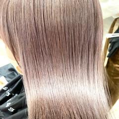 ミディアム ガーリー ラベンダーグレー ブロンドカラー ヘアスタイルや髪型の写真・画像