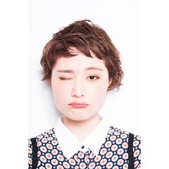 ショートバング 外国人風 パーマ 暗髪 ヘアスタイルや髪型の写真・画像