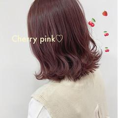 ピンク ラズベリーピンク ベリーピンク ナチュラル ヘアスタイルや髪型の写真・画像