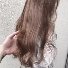 ミルクティーベージュ オリーブベージュ アッシュグレージュ ロング ヘアスタイルや髪型の写真・画像