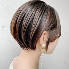 ショートヘア ナチュラル ミニボブ ショートボブ ヘアスタイルや髪型の写真・画像