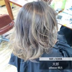 バレイヤージュ ブリーチ ヘアスタイルや髪型の写真・画像