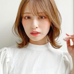ミディアムレイヤー ナチュラル モテ髪 アンニュイほつれヘア ヘアスタイルや髪型の写真・画像
