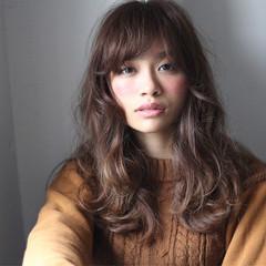グラデーションカラー パーマ セミロング 外国人風 ヘアスタイルや髪型の写真・画像