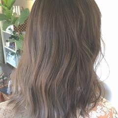 ヘアアレンジ グレージュ ベージュ ナチュラル ヘアスタイルや髪型の写真・画像