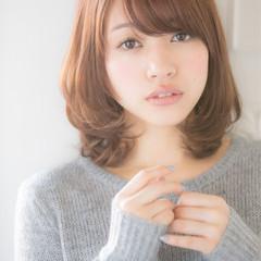 大人女子 レイヤーカット ミディアム ナチュラル ヘアスタイルや髪型の写真・画像