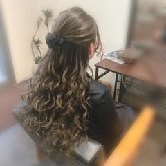 ロング ハーフアップ 結婚式 フェミニン ヘアスタイルや髪型の写真・画像