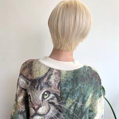モード ショート ホワイトブリーチ ブリーチ必須 ヘアスタイルや髪型の写真・画像