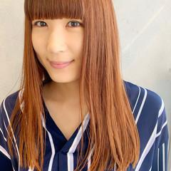 ワイドバング オレンジカラー ナチュラル ストレート ヘアスタイルや髪型の写真・画像