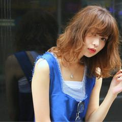ストリート ピュア フェミニン ミディアム ヘアスタイルや髪型の写真・画像