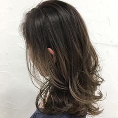 ミディアム 外国人風 暗髪 アッシュ ヘアスタイルや髪型の写真・画像