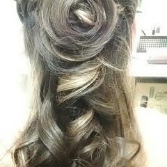 ヘアアクセ ロング ツイスト 編み込み ヘアスタイルや髪型の写真・画像