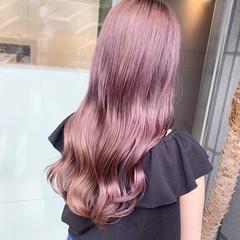 ピンクカラー ラベンダーピンク ストリート ロング ヘアスタイルや髪型の写真・画像