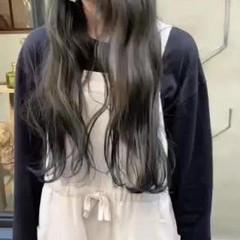 ロング 透明感 ヘアアレンジ くすみカラー ヘアスタイルや髪型の写真・画像