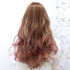 ナチュラル ニュアンス レイヤーカット ピンク ヘアスタイルや髪型の写真・画像