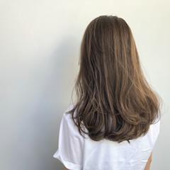 フェミニン ロング レイヤーカット ヘアスタイルや髪型の写真・画像