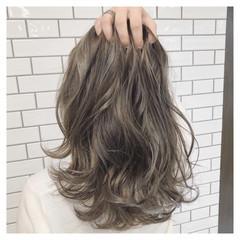 波ウェーブ ナチュラル ミルクティー セミロング ヘアスタイルや髪型の写真・画像