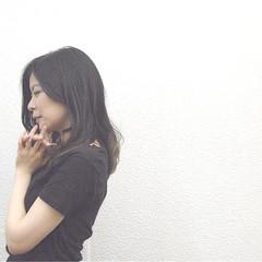 ダブルカラー 黒髪 アッシュ グラデーションカラー ヘアスタイルや髪型の写真・画像