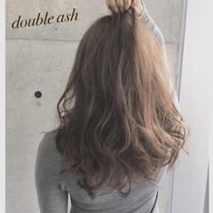 フェミニン ガーリー アッシュ ロング ヘアスタイルや髪型の写真・画像