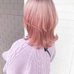 ブリーチオンカラー ミディアム ピンク ガーリー ヘアスタイルや髪型の写真・画像