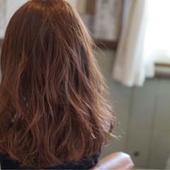 ストリート ピンク セミロング くすみカラー ヘアスタイルや髪型の写真・画像