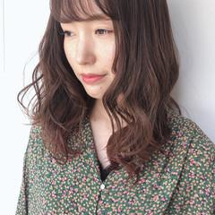 ミルクティーベージュ ヘアアレンジ セミロング パーマ ヘアスタイルや髪型の写真・画像