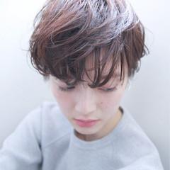 外国人風 アッシュ ブラウン ナチュラル ヘアスタイルや髪型の写真・画像