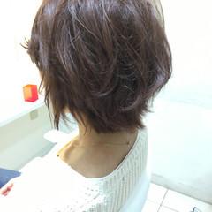 アッシュ ゆるふわ ショート フェミニン ヘアスタイルや髪型の写真・画像