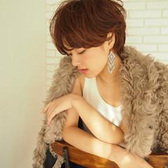 フェミニン ハイライト ショート マッシュ ヘアスタイルや髪型の写真・画像