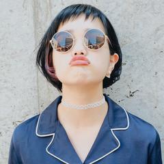 ストリート インナーカラー ワンレングス 黒髪 ヘアスタイルや髪型の写真・画像