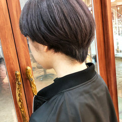ナチュラル アッシュグレージュ ショートマッシュ マッシュ ヘアスタイルや髪型の写真・画像
