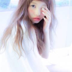 外国人風 セミロング ガーリー ショートバング ヘアスタイルや髪型の写真・画像