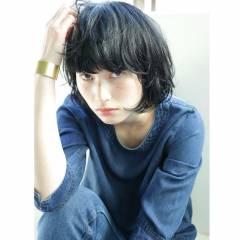 暗髪 モード 抜け感 ウェットヘア ヘアスタイルや髪型の写真・画像