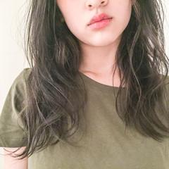 グラデーションカラー セミロング 外国人風 アッシュ ヘアスタイルや髪型の写真・画像